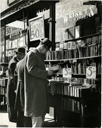 4th-avenue-bookstore